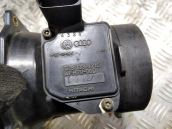 Датчик массового расхода воздуха ДМРВ VAG 4B1857035E