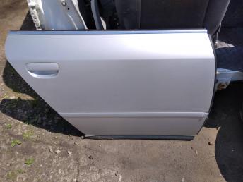 Дверь задняя правая Audi A6 C5 4B0833052
