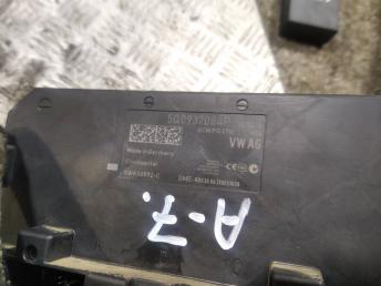 Блок комфорта Skoda Octavia A7 5Q0937084P
