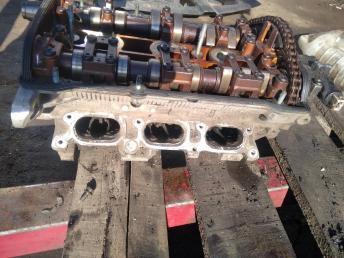 Головка блока правая Audi A6 C5/A4 B5 2.4 078103068BQ