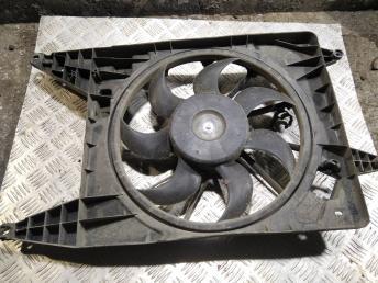 Вентилятор радиатора Nissan Almera G15 214814AA0A