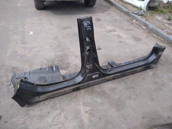 Порог правый Nissan Almera G15 739B04AA0B