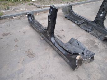 Порог левый Nissan Almera G15