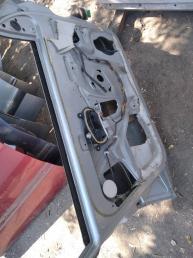 Дверь передняя левая Peugeot 406