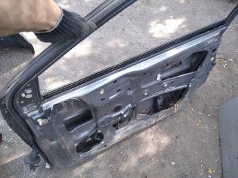 Дверь передняя правая Mitsubishi Lancer 9