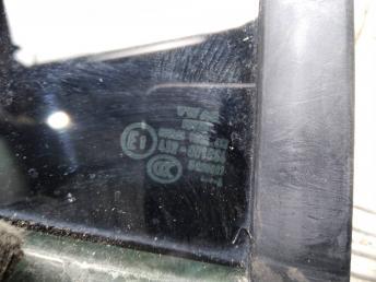 Форточка задней правой двери Skoda Rapid 5JA845214D