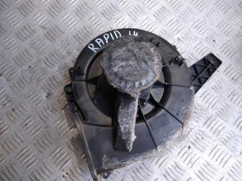Моторчик печки VAG 6R1819015