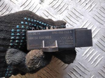 Блок реле подогрева сидений VAG 6R0959772A
