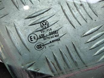 Стекло передней правой двери VW Passat B6/B7 3C4845202B