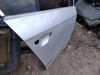 Дверь задняя правая Volkswagen Passat B7 3AE833056