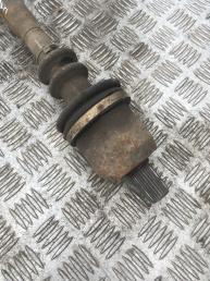 Привод левый  Renault Scenic 1 1.6 акпп 8200531861