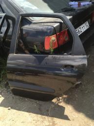 Дверь задняя левая  Renault Scenic 1 7751472139