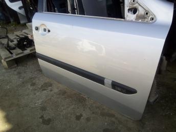 Дверь передняя правая Renault Laguna 2 7782012342