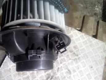 Моторчик печки Renault Laguna 2 7701048753
