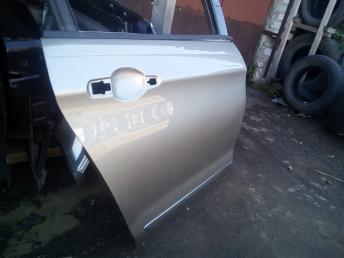 Дверь задняя правая Citroen C5 2 9008R8