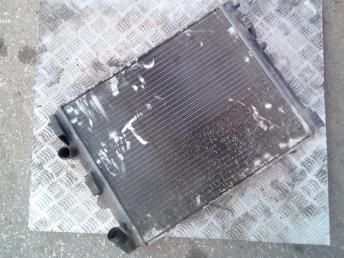 Радиатор охлаждения Renault 8200343476