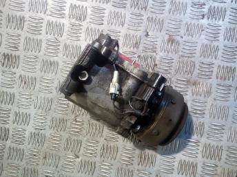 Компрессор кондиционера Mitsubishi Pajero MR360532