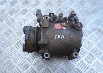 Компрессор кондиционера Mitsubishi Galant EA MR500272