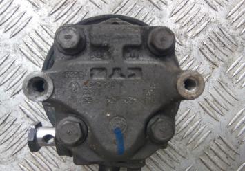 Насос гидроусилителя Audi Q7 Touareg 7L8422154