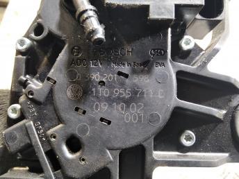 Моторчик дворника задний VW Caddy/Touran 1T0955711C