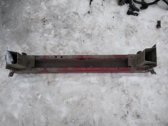 Усилитель переднего бампера Ford Focus 1 4S4Z5810812AA
