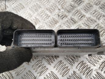 Блок управления двигателем Renault Symbol 2 8200673240