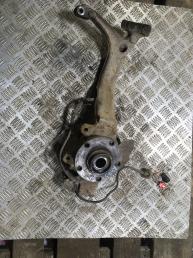 Кулак поворотный передний правый  Audi A4 B5 8D0407258AC
