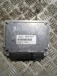 Блок управления двигателем  Audi A4 B5 3B0907557N