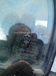 Форточка задней левой двери Mitsubishi Lancer 9 MR525825