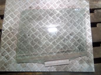 Стекло задней левой двери Daewoo Nexia 90196925