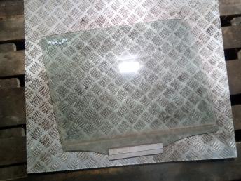 Стекло задней правой двери Daewoo Nexia 90196926