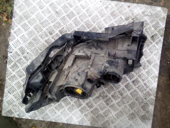 Фара правая Renault Megane 2 260103726R