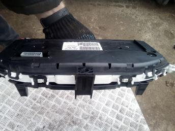 Панель приборов Renault Megane 2 8200408790