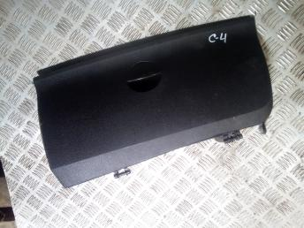Крышка бардачка Citroen C4 8218N1