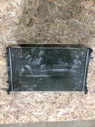 Радиатор охлаждения Volkswagen Passat B6 1K0121253AC