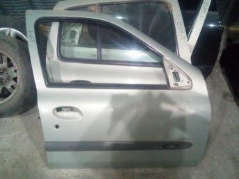 Дверь передняя правая Renault Symbol 7751472476