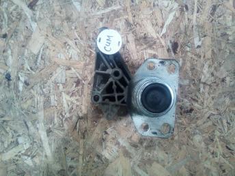 Опора двигателя правая Renault 7700434370
