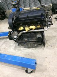 Двигатель в сборе Opel Zafira B 1.6