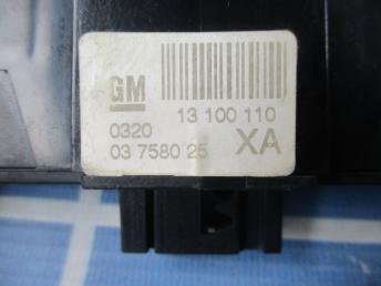Блок кнопок Опель Астра H   13100110 (03758025) 03758025