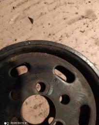 Шкив помпы Volkswagen Audi Skoda