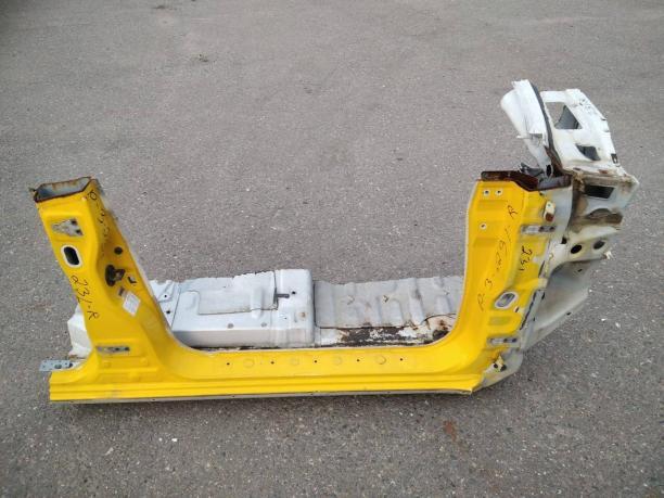 Порог Mitsubishi Pajero 3 правый со стойками MR592306