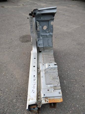 Порог Mitsubishi Pajero 3 левый MR592269