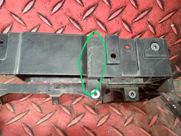 Рамка радиатора телевизор Haval F7 8400217XKQ00A