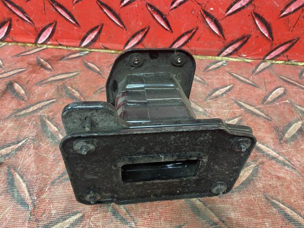 Кронштейн усилителя переднего бампера  Captiva C100 22742369