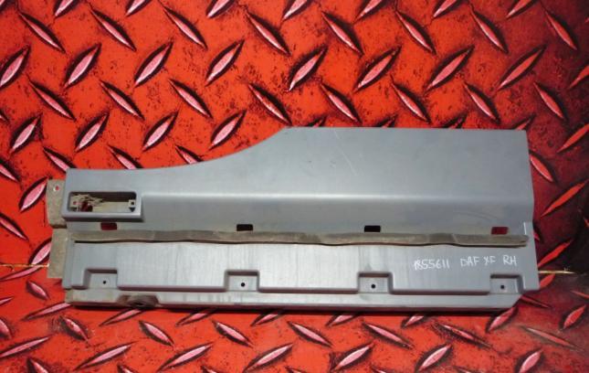 Накладка правого крыла DAF XF 1855611