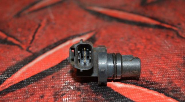 Датчик положения распредвала Mitsubishi  1865A066