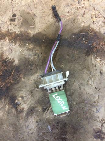 Резистор отопителя Renault Logan 6001547488