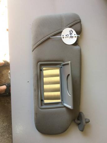 Козырек солнцезащитный правый Kia Sorento 1 852143E020CY