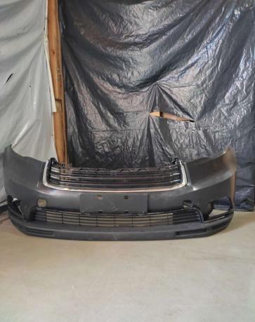 Toyota RAV4. Бампер передний
