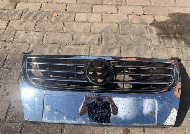 Решётка радиатора VW Touran Б/У Оригинал